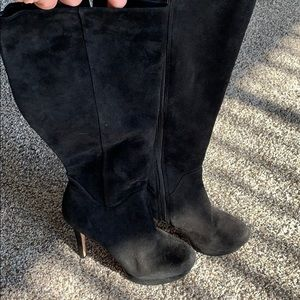 Antonio Melani 6.5 Black Suede Boot